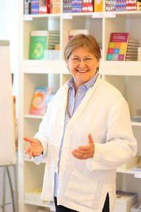 """Mag. Claudia Dieckmann bei dem Seminar """"4 Schritte zur großen Persönlichkeit"""""""
